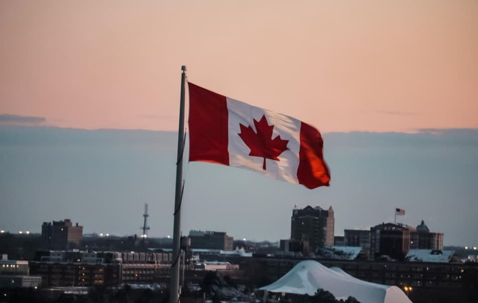 Canadian Resume Format: Write a Resume for Jobs in Canada
