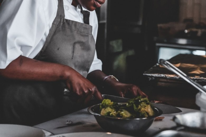 Chef CV Example & Writing Guide: Template & 20+ Tips