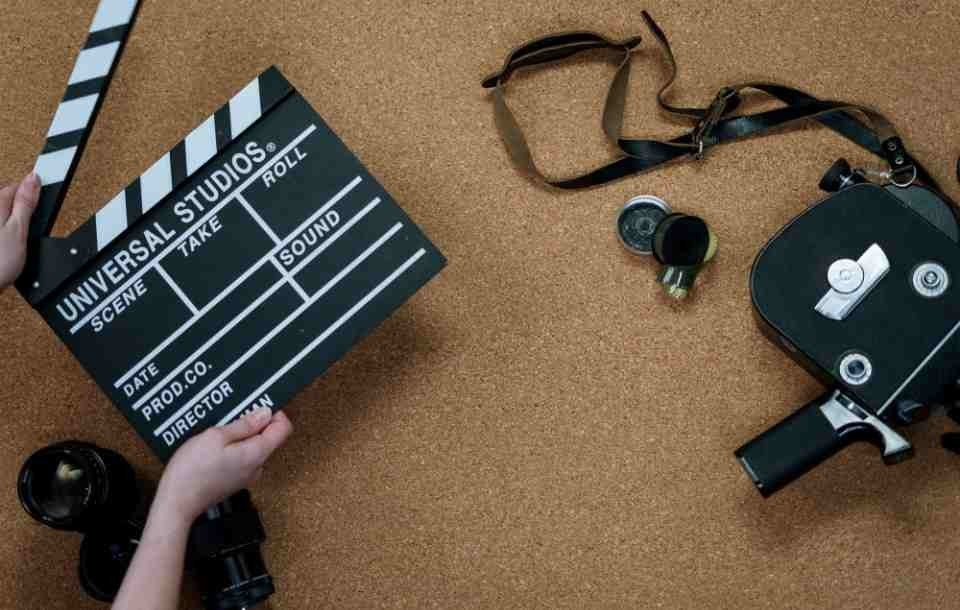 Cinematographer Resume: Sample and Writing Guide