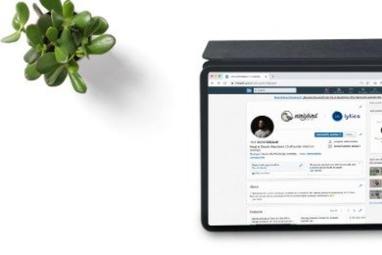 The Best Skills to Add to LinkedIn (List + How To)
