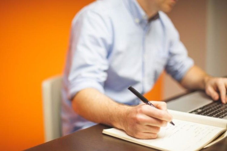 Cover Letter for an Internship: Examples & Tips for All Interns