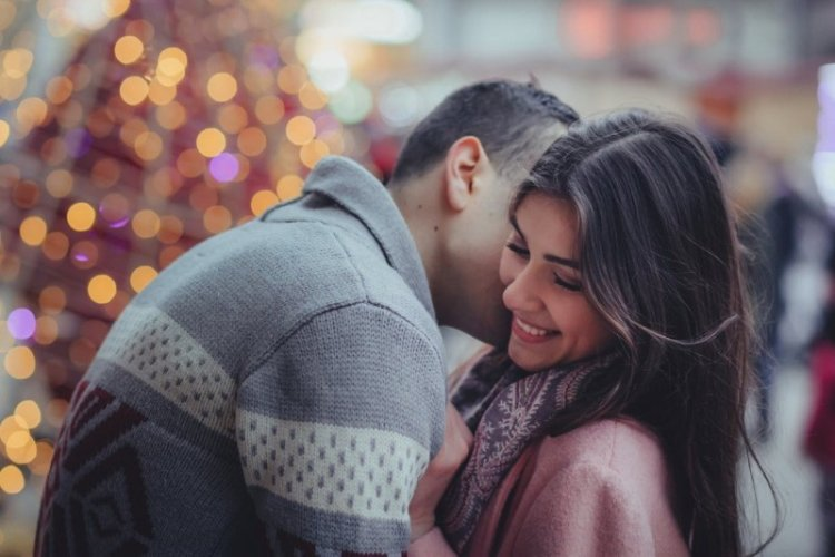 Love and Romance at Work: Pros and Cons for Your Career