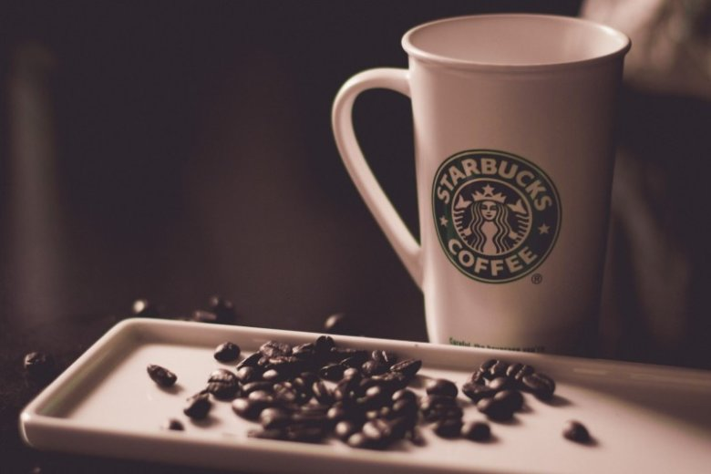 Starbucks Resume: Examples and Guide [10+ Tips]