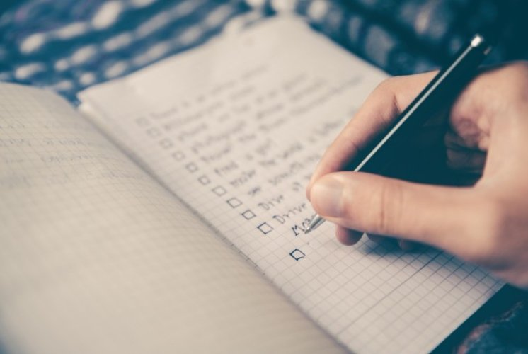 What to Bring to an Interview & Printable Checklist with 12 Crucial Items