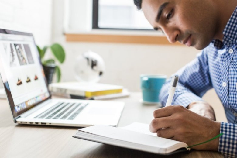 What to Include in a CV: 6 Must-Have Sections to Put on a CV in 2021